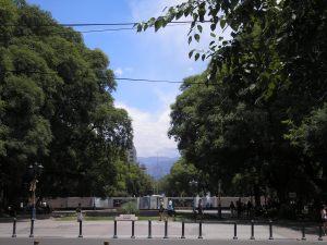 Onder Plaza Indepencia in Mendoza ligt een bunker (nu een museum) die was bedoeld om slachtoffers van aardbevingen op te vangen.