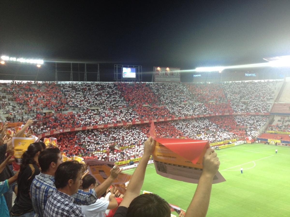 Y Sevilla, Sevilla, Sevilla