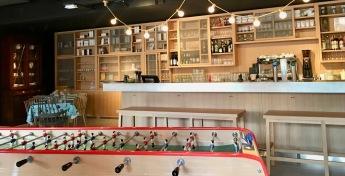 Restaurant/bar MOB Hotel Parijs/Saint-Ouen.