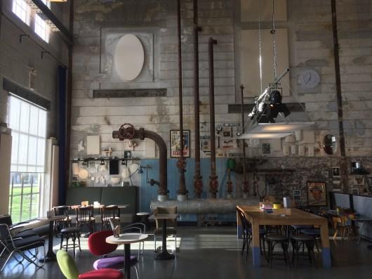 Interieur van filmhuis Lumière.